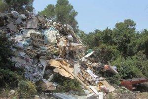 השלכות הפיראטיות של פסולת בנייה